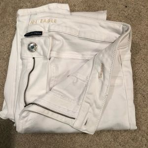 RELISTED AMERICAN EAGLE JEANS